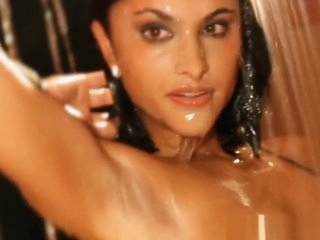 Erotic Babe From India Sweet Dancer
