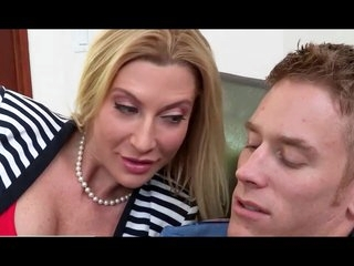 Amateur gets with experienced friend to please cock together