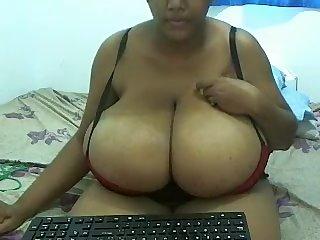 Indian Jasmine big boobs masturbating