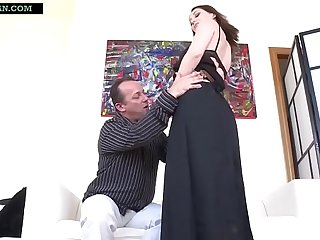Indian Mom strips off her Saree and Petticoat to get her pussy fucked
