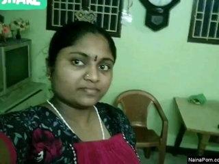 Today Exclusive-  Sexy Mallu Bhabhi Showing B...
