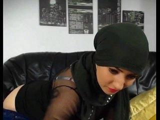 Hot muslim girl stripping n fingering hot round big ass