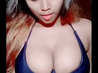 Desi hot tamil girl showing her boobs in front of social media. Indian hot girl