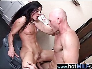 Sex Hardcore Act With Big Dick Stud Banging Slut Milf (india summer) vid-14